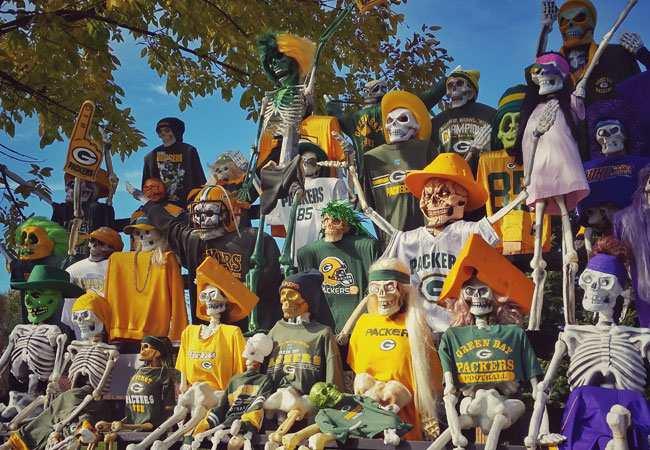 Skeleton Packers fans